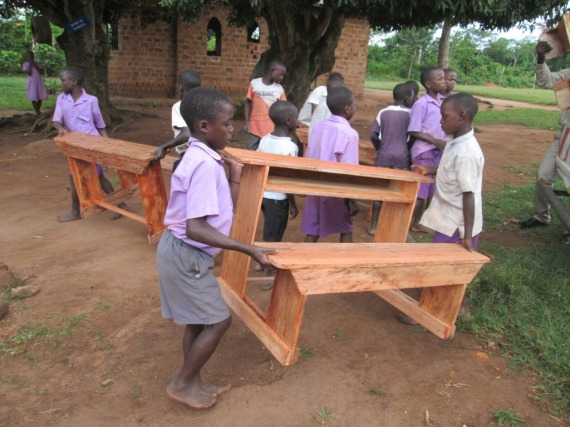 Pupils offloading the desks